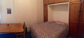 Big Double, Couples Welcome, 700 x month, zone 2 near New Cross Gate overground, flat with garden