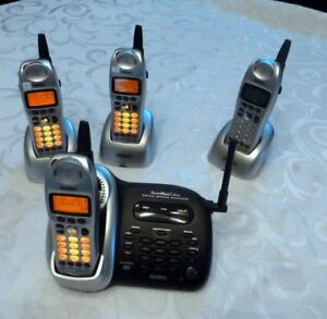 Uniden wireless phone set with 4 Units
