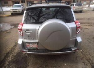2010 Toyota RAV 4  FULLY LOADED - LOW KM