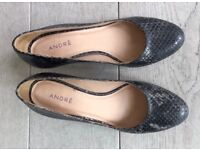 André High Heels in Grey Leather Size 4.5 (37)