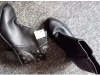 Ladies black ankle boots size 7 new £10