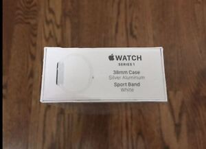 Apple Watch (Series 1)38mm Case Silver Aluminum Sport Band White