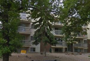 *INCENTIVES* 1 Bdrm w/ Balcony~Just 3 Blocks from Whyte Ave!