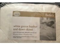 UNOPENED WHITE GOOSE FEATHER AND DOWN DUVET/QUILT (SINGLE SIZE)