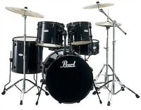 Pearl: Black Forum FZ Rock Drum Kit With Black Hardware