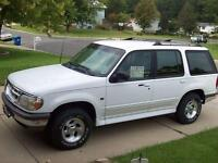 1999 FORD EXPLORER 4x4 XLT = WINTER READY = CLEAN CAR PROOF