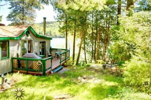 TURNKEY WATERFRONT COTTAGE FOR SALE ON LAC ST-PIERRE, QC
