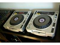Pioneer 800s mk2 MP3 ideal for beginning DJ mint condition