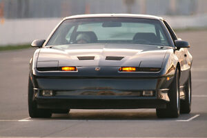 LOOKING TO BUY 1987-89 Pontiac Trans Am GTA TTop BLACK 350 TPI
