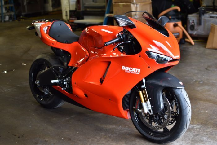 2008 Ducati Superbike  Ducati Desmosedici rr # 172 only 152 miles