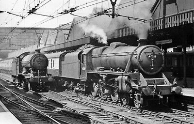 PHOTO  LOCOS CLASS J39 0-6-0 NO. 64753 AND STANIER CLASS 5 4-6-0 NO. 45219 AT SH