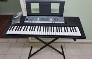 Yamaha YPT-240 61-Key Premium Keyboard with stand and Ac adapter