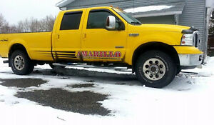 2006 Ford F-250 amarillo