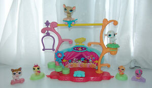 Littlest Pet Shop Tricks and Talents Playset plus 6 Mcd Pets