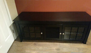 Entertainment cabinet TV stand