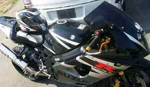GSXR-1000      Cash Or 6500 Value Trade Value for something ???