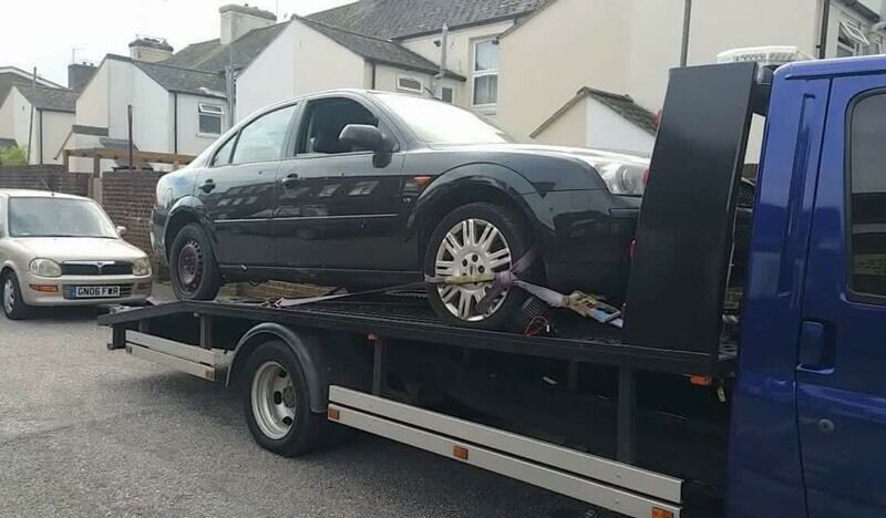 Breaking Mondeo v6 2.5 ghia all parts available