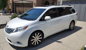 2011 Toyota Sienna Limited Pearl White
