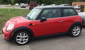 VERY WELL MAINTAINED CHILI RED 2012 MINI COOPER HATCHBACK