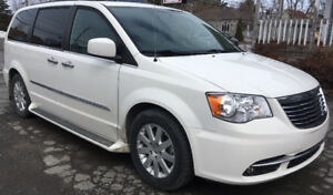 CHRYSLER TOWN & COUNTRY TOURING - L