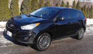 Hyundai Tucson SUV 2011, Two Sets Michelin Tires, GPS, Warranty