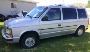 1989 Plymouth Voyager SE