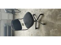 3 x Desks & 3 x Office Chairs available (Ikea items, collection from Chiswick only)