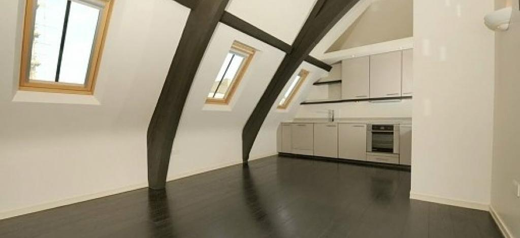 SPLIT LEVEL 1 DOUBLE BEDROOM CHURCH CONVERSION with WOOD FLOORS and MODERN DECOR