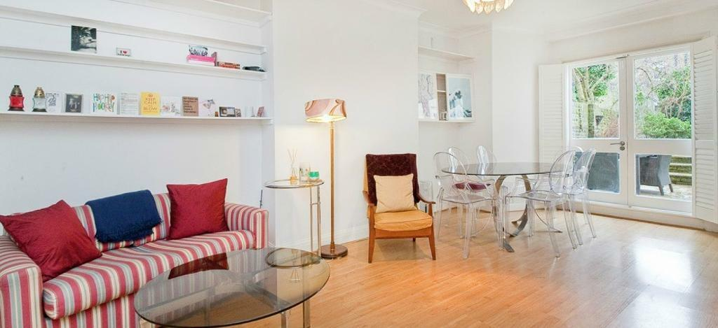 Beautifully decorated spacious 2 double bedroom period conversion set on a quiet residential street