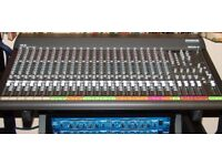 Mackie SR24-4 Mixing Desk - With FREE AMP + Quiklok Z-Stand + 20 Channel, Pro Vandamme Loom