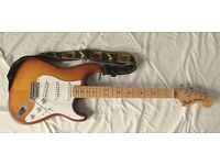 USA Fender Stratocaster FSR (Fender Special Run) in hand finished satin Honeyburst.