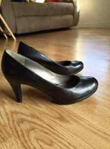 Souliers Naturalizer size 81/2 W