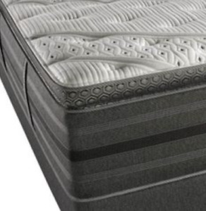 Simmons Queen Tight Top Luxury Mattress and Boxspring: Grayson