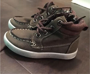 Toddler Shoes (size:7) in excellent condition