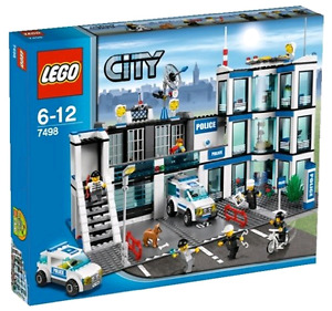 BNIB LEGO CITY SET 7498