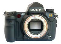}}}SONY A850 FULL FRAME D-SLR EXCELENT CONDITION{{{