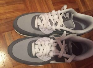 Nike Airmax Size 6Y  = 7.5 Women West Island Greater Montréal image 2
