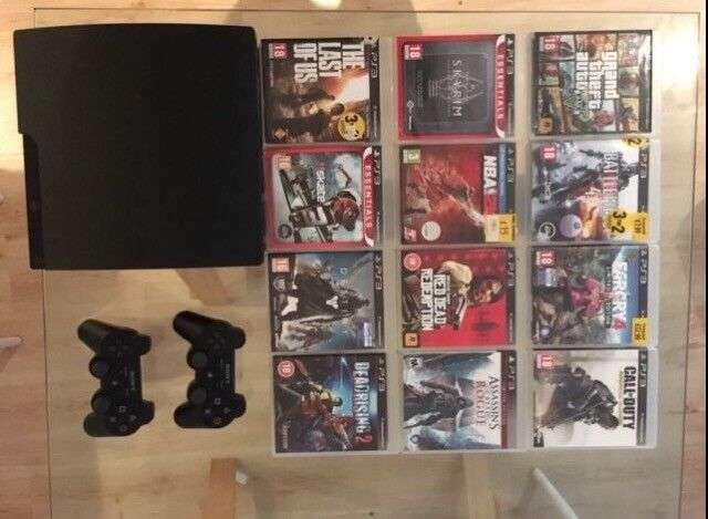 PlayStation 3 Slim 160GB, 12 games, 2 controllers and all cables