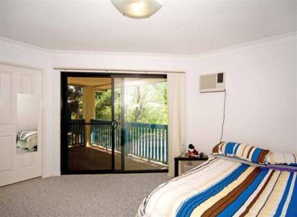 HUGE room with AC, own ensuite, balcony cls to shops, train, bus