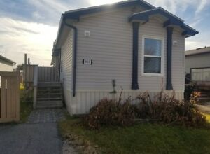 #5711- 3 Bed 2 Bath Mobile Home in Creekside $1650