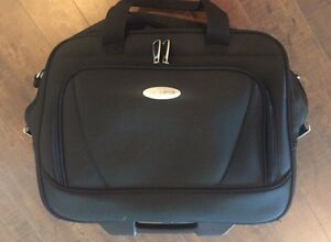 Samsonite Travel Wheeled Underseater Bag. $25.00
