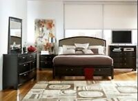 Queen size bedroom set.