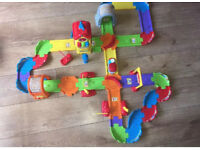 Vtech Toot Toot chug & go train set