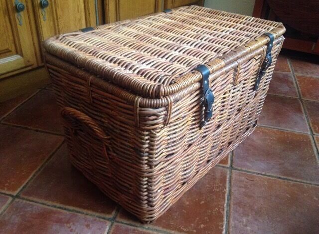 Perfect IKEA Large Storage Wicker Basket Trunk Chest NEW
