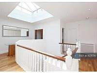 2 bedroom flat in Emperors Gate, London, SW7 (2 bed)