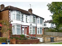 3/4 BEDROOM TERRACED HOUSE IN Brent Cross / Hendon