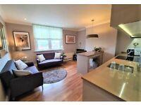 2 bedroom flat in Askew Road, Shepherds Bush, W12
