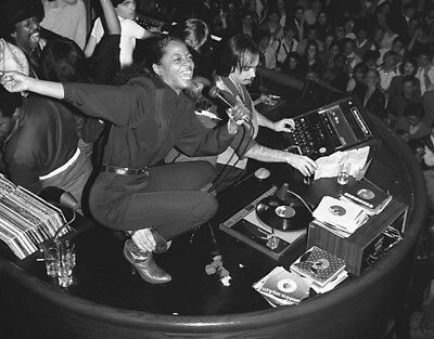 Diana Ross UNSIGNED photograph - L3550 - At the Studio 54 in 1980 - NEW IMAGE!!!