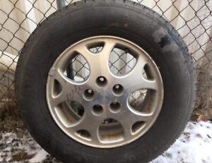 Kumho Solus summer tires on rims. 215/70r16
