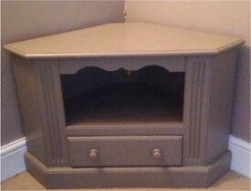 Pine Corner TV Unit £40